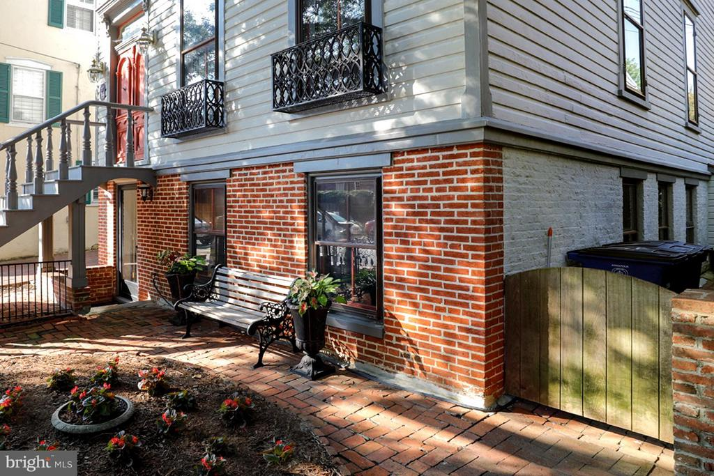 4 Level Residence with Possible Apartments - 191 PRINCE GEORGE ST, ANNAPOLIS