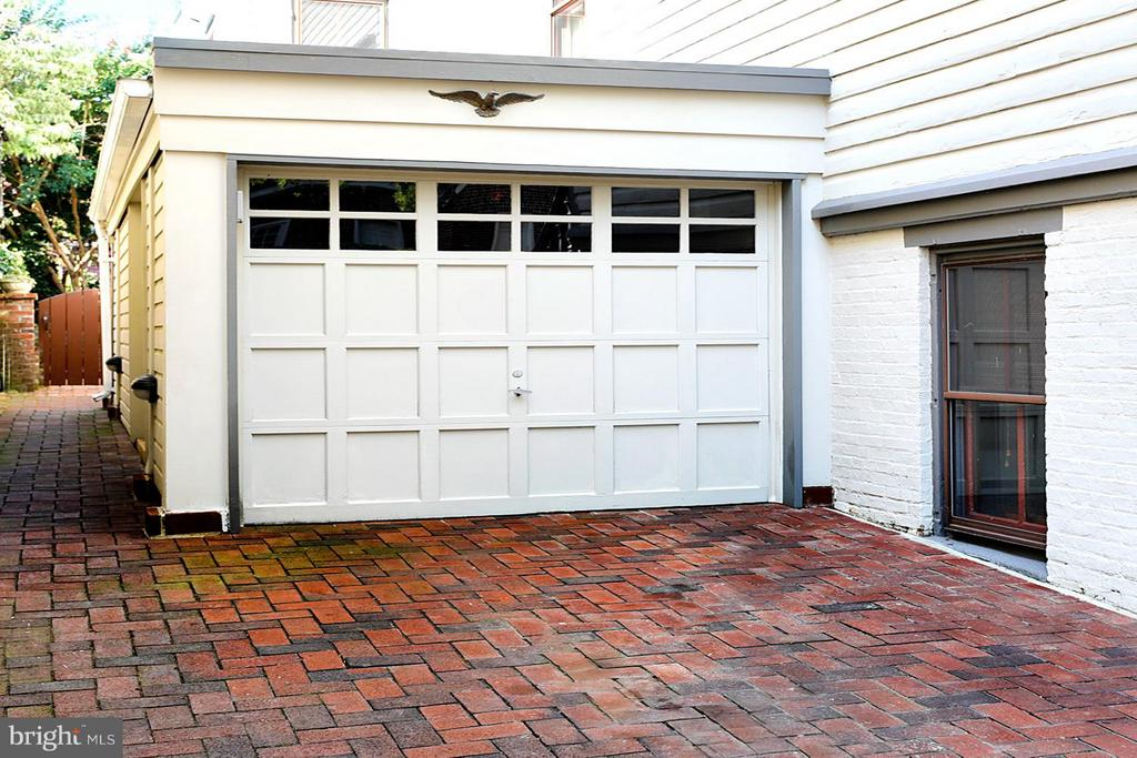 Rare Off-Street Parking and 1-Car Garage - 191 PRINCE GEORGE ST, ANNAPOLIS