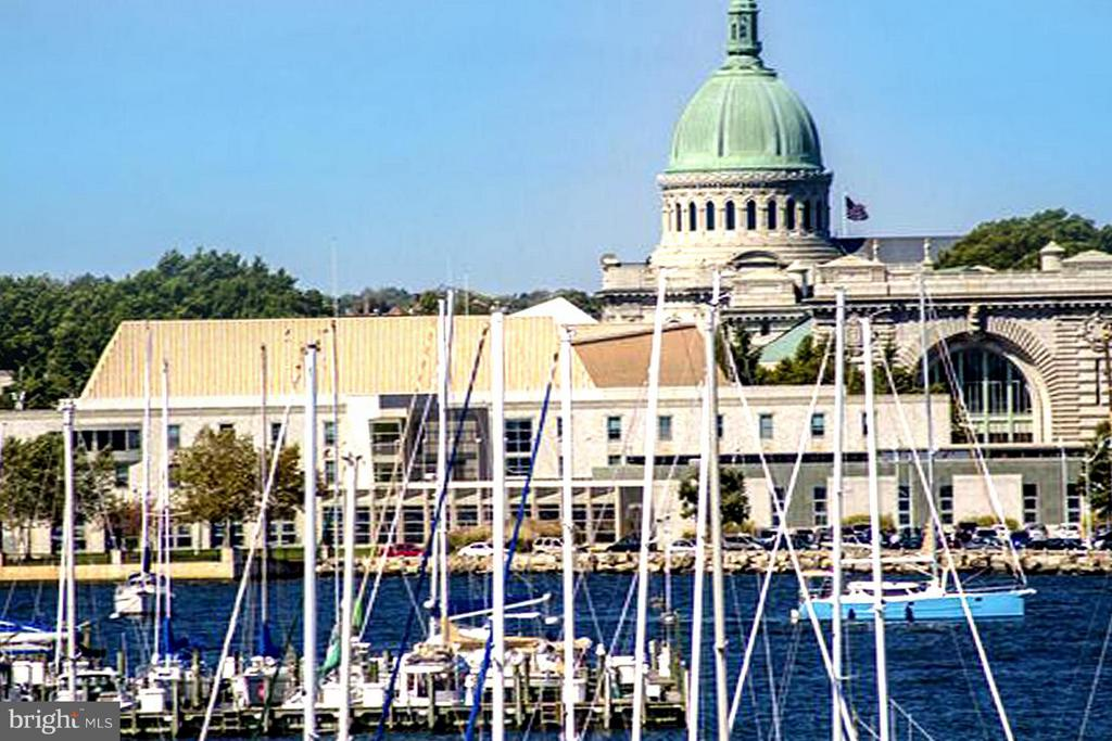 Stroll to City Dock . Home of US Naval Academy - 191 PRINCE GEORGE ST, ANNAPOLIS