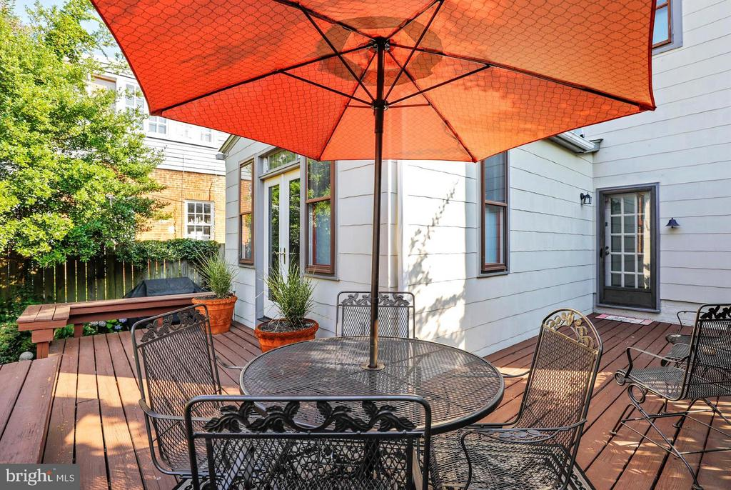 Outdoor Deck Expanding Dining/Entertaining Options - 191 PRINCE GEORGE ST, ANNAPOLIS