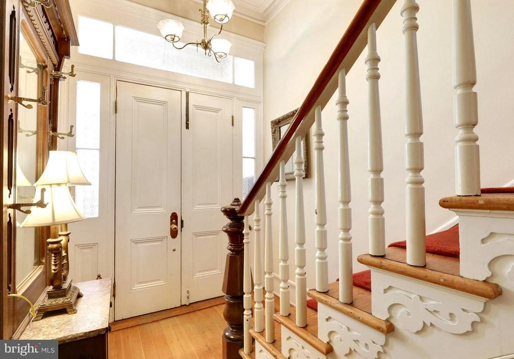 Owners' Residence . Magnificent Moldings and Trim - 191 PRINCE GEORGE ST, ANNAPOLIS