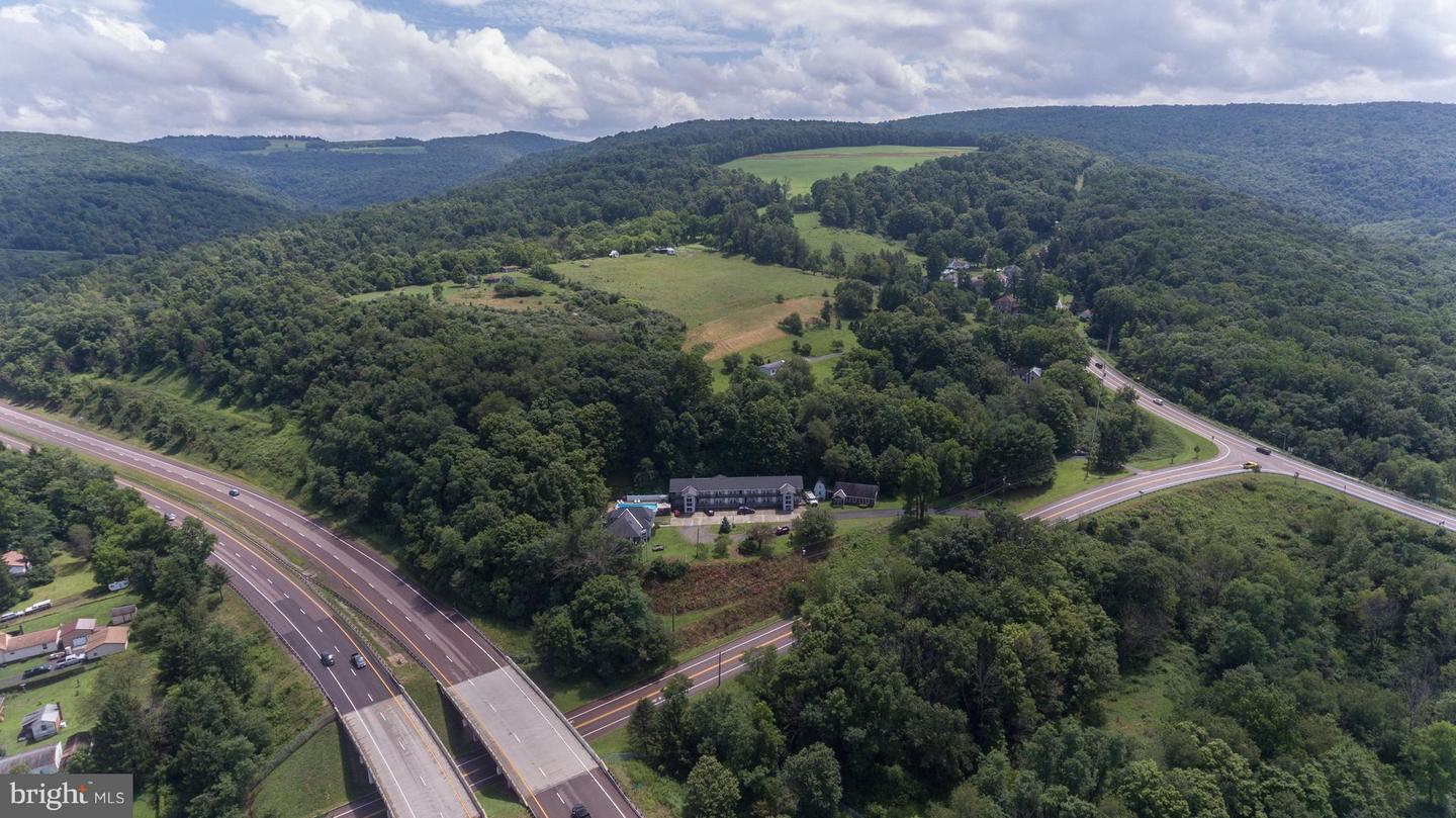 Commercial for Sale at 818 1st Ave Friendsville, Maryland 21531 United States