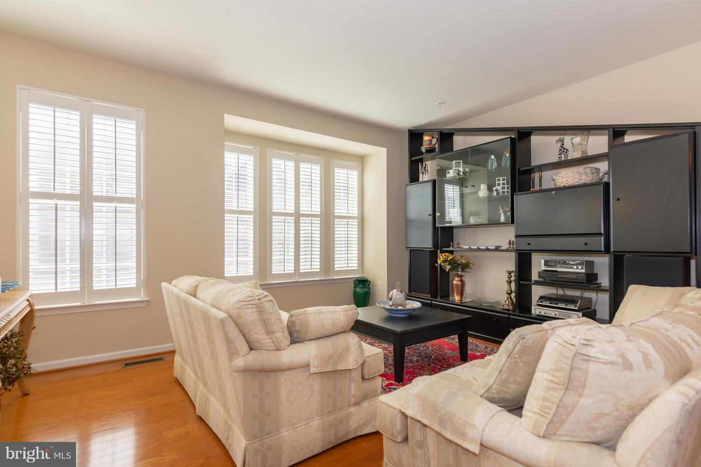 Additional photo for property listing at 3440 Dental Ct  Edgewater, Maryland 21037 United States