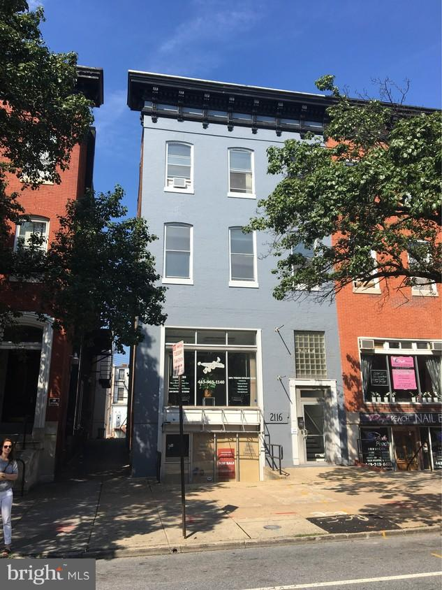 Commercial for Sale at 2116 Charles St Baltimore, Maryland 21218 United States