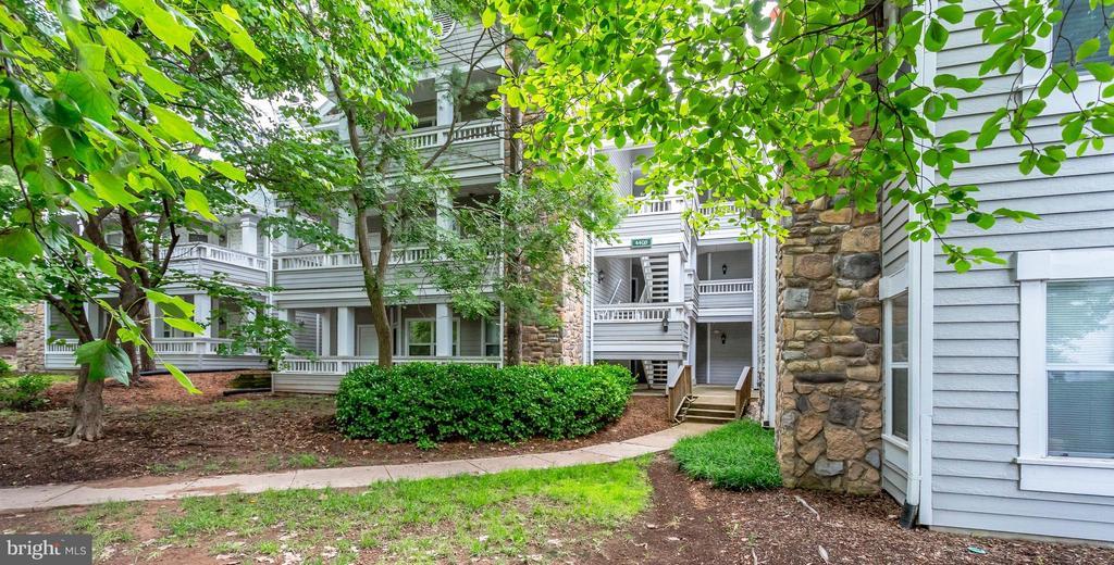 Fairfax Homes for Sale -  Condo,  4408  HELMSFORD LANE  204