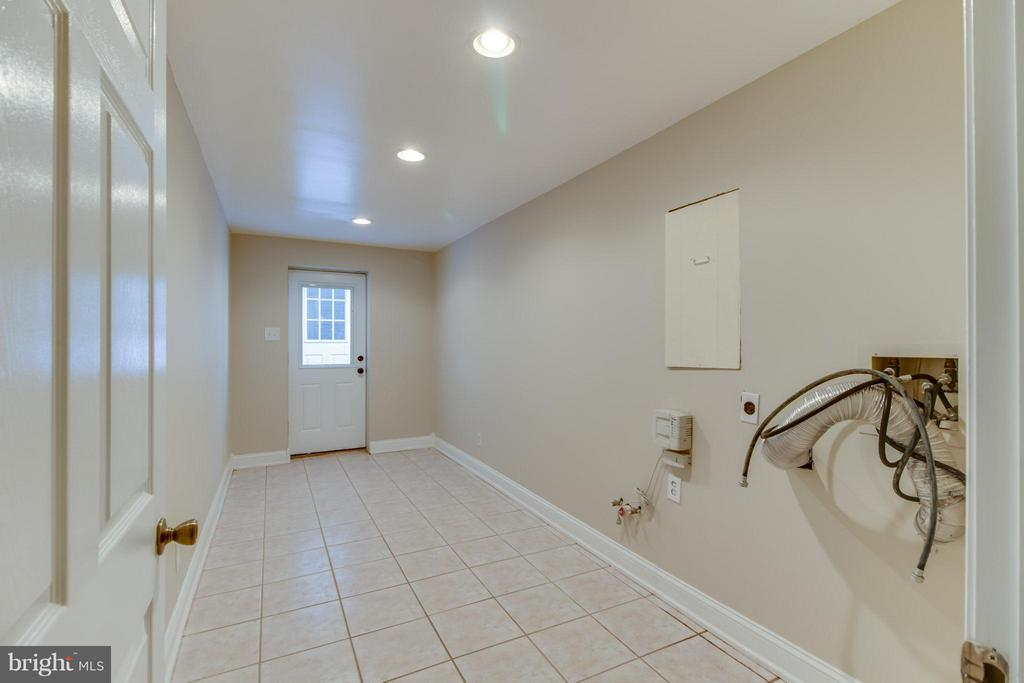 Lower level laundry room/exit - 109 SAGUN DR, FREDERICKSBURG
