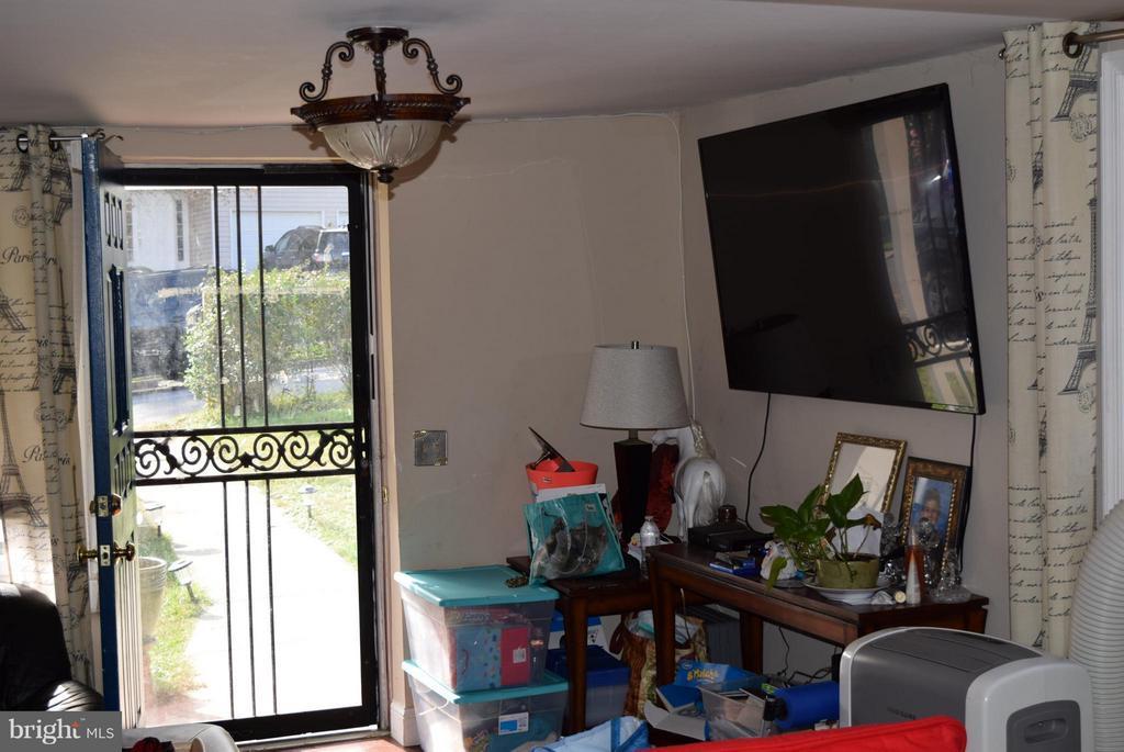 Living Room - 1307 WHEATON LN, SILVER SPRING