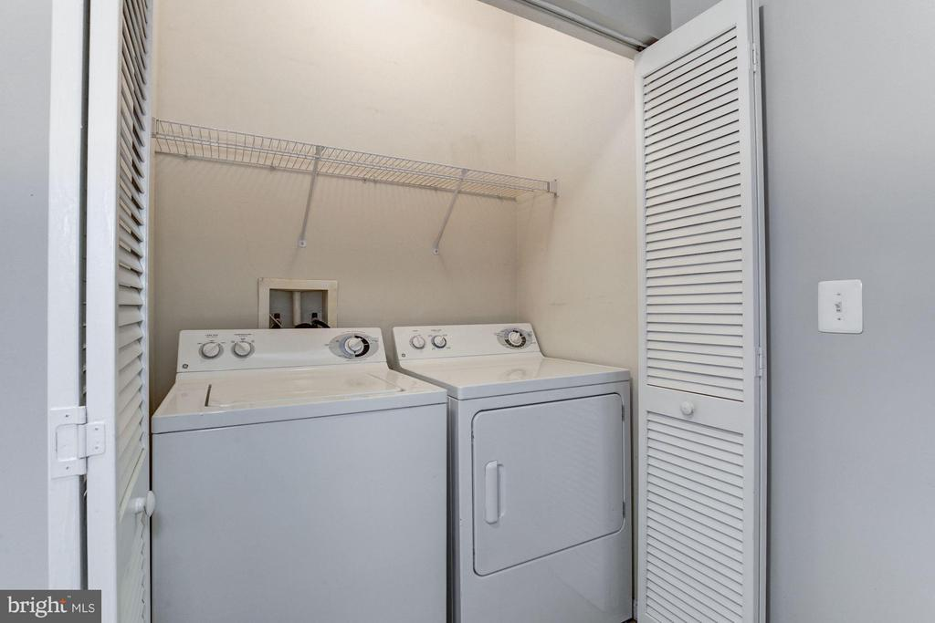 LAUNDRY ROOM WITH FULL SIZE WASHER and DRYER! - 2465 ARMY NAVY DR #1-210, ARLINGTON