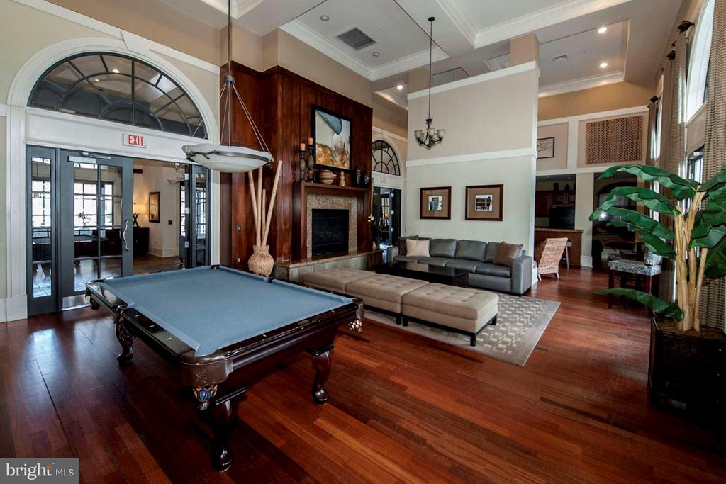 COMMUNITY CLUB HOUSE WITH POOL TABLE! - 2465 ARMY NAVY DR #1-210, ARLINGTON