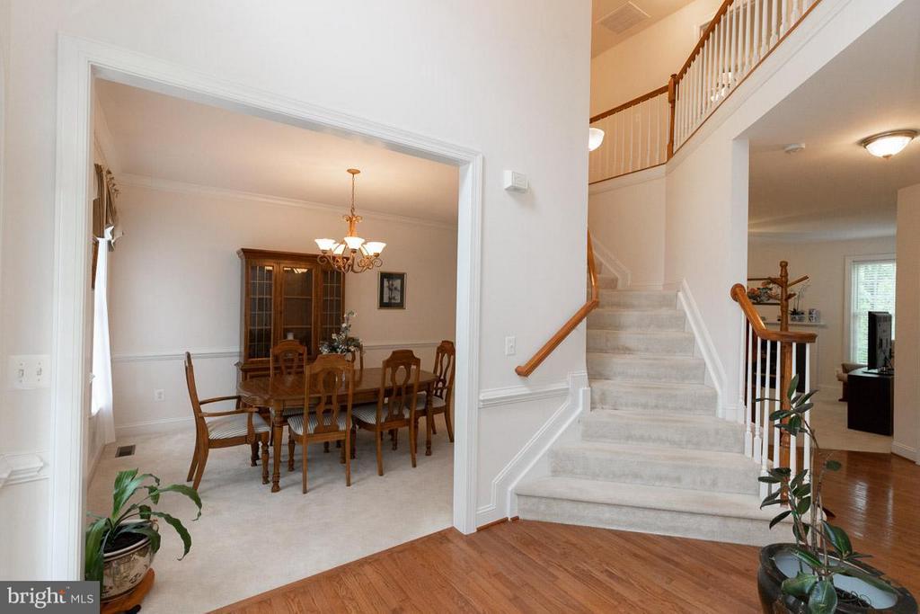 Entry, dining room on left, living room on right - 13208 CHANDLER CT, FREDERICKSBURG