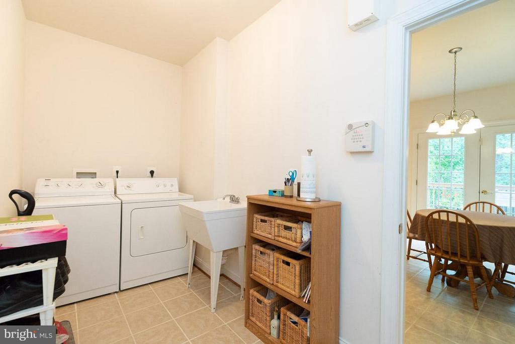 Laundry room by kitchen - 13208 CHANDLER CT, FREDERICKSBURG