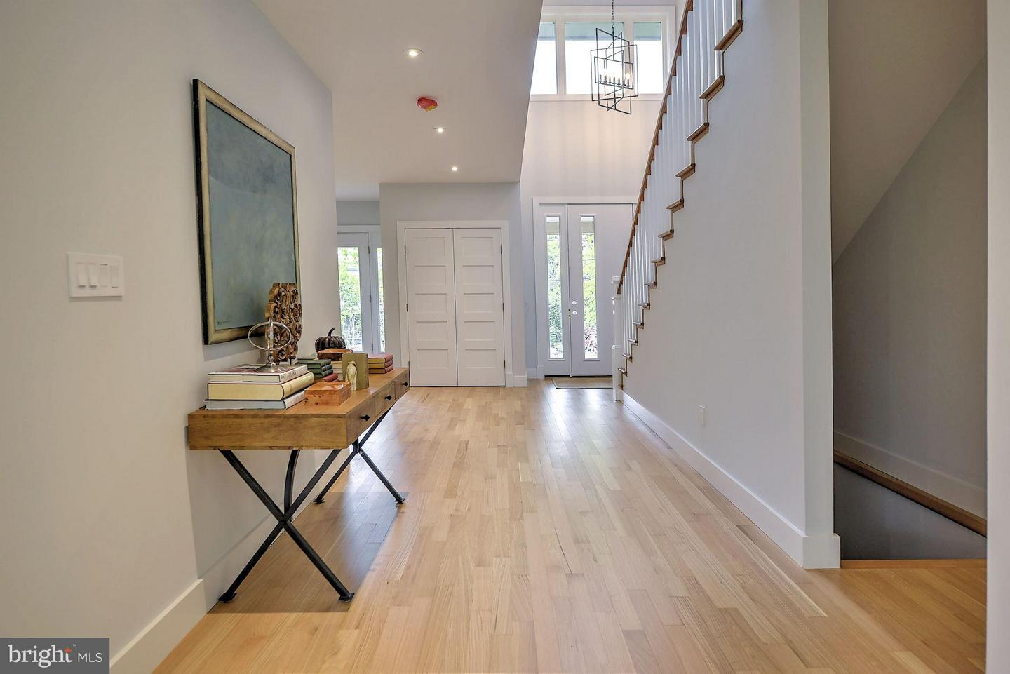 Additional photo for property listing at 5201 Wissioming Rd  Bethesda, Maryland 20816 United States