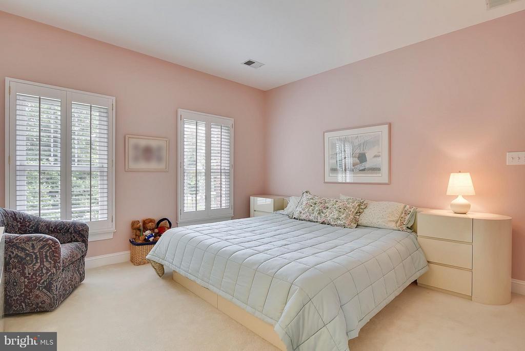 Bedroom 2 - 11305 PEACOCK HILL WAY, GREAT FALLS