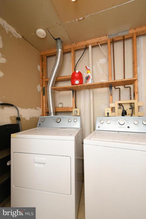Laundry - 13637 SHIRE PL, GAINESVILLE