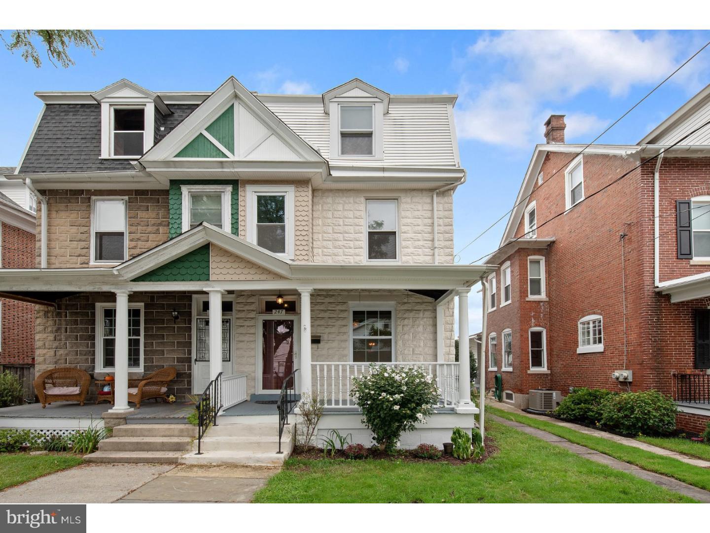Casa Unifamiliar por un Alquiler en 247 3RD Avenue Phoenixville, Pennsylvania 19460 Estados Unidos