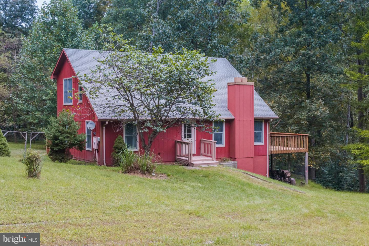 Single Family for Sale at 1717 Constant Run Rd Great Cacapon, West Virginia 25422 United States