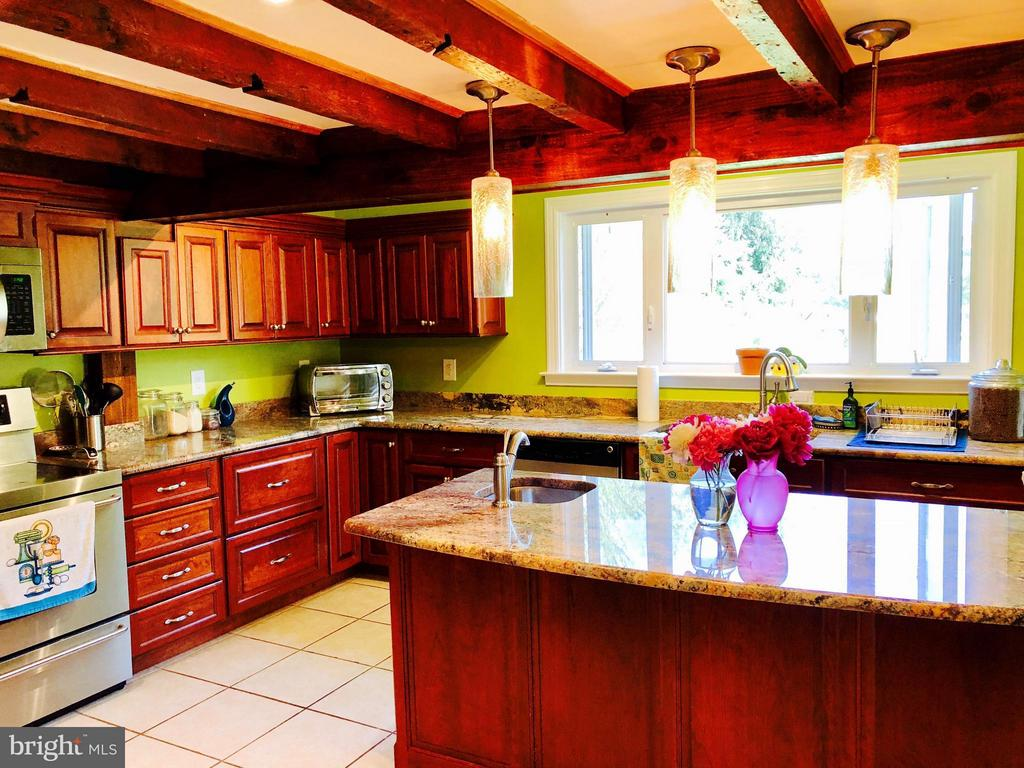 Kitchen - 7008 KELLYS STORE RD, THURMONT