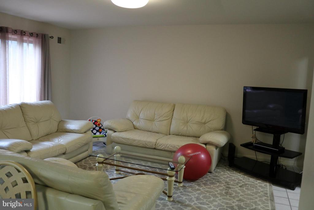 Family Room - 6130 WICKLOW DR, BURKE