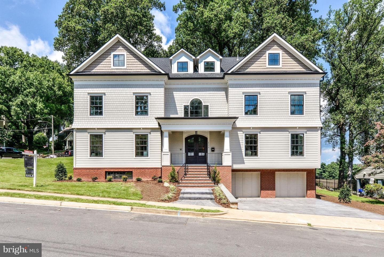Single Family Home for Sale at 2779 Wakefield Street 2779 Wakefield Street Arlington, Virginia 22207 United States