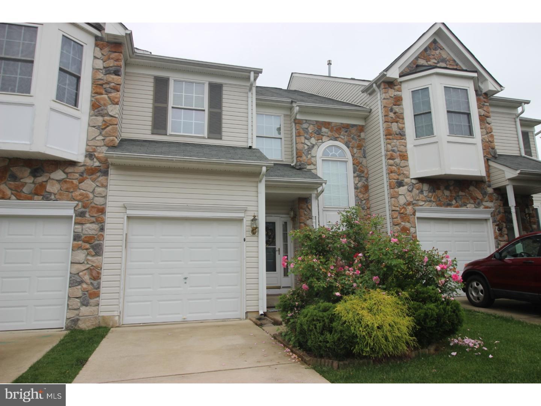 Частный односемейный дом для того Аренда на 15 FARMINGTON Court Bordentown, Нью-Джерси 08505 Соединенные Штаты
