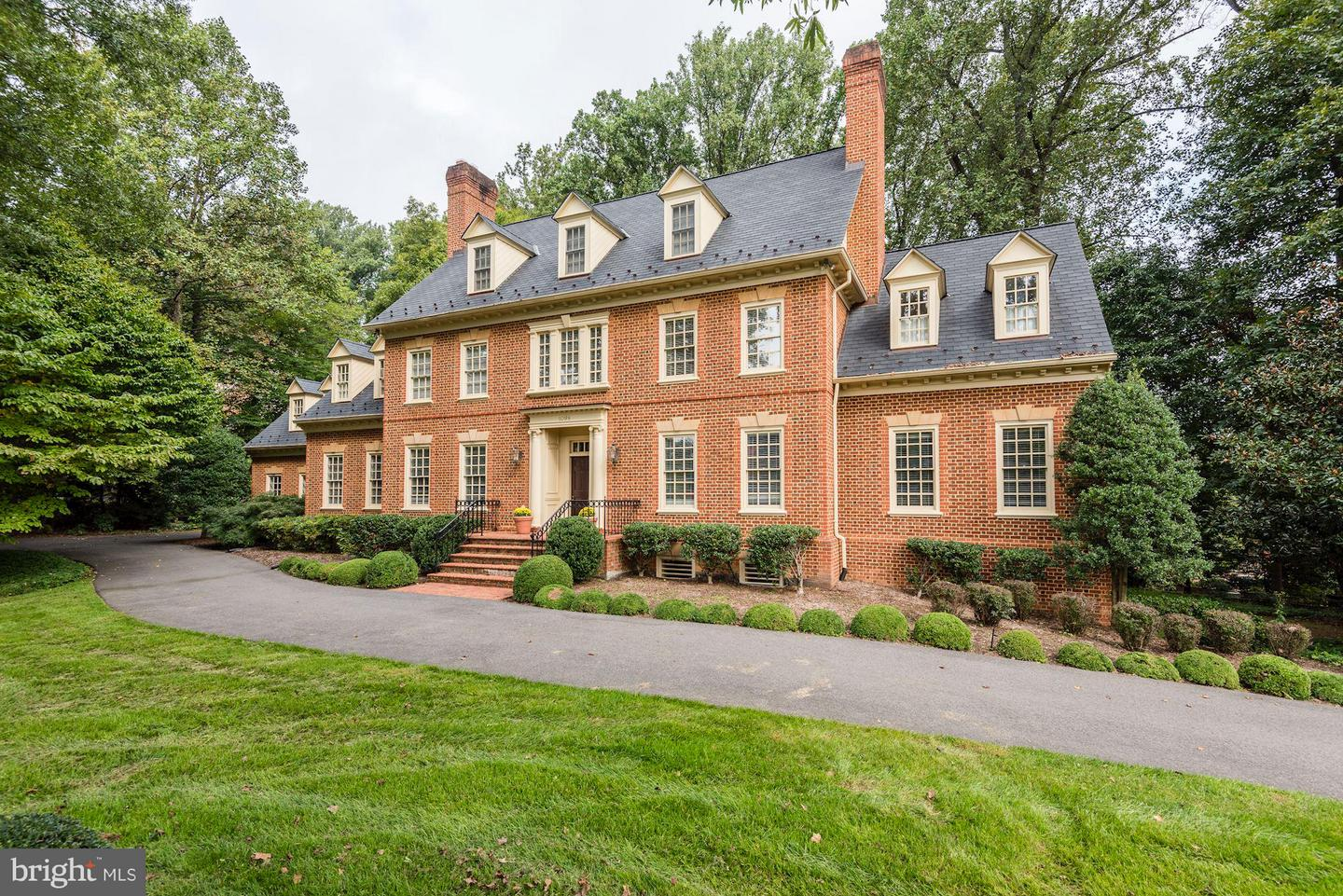 Property for Sale at 1098 Mill Ridge 1098 Mill Ridge McLean, Virginia 22102 United States