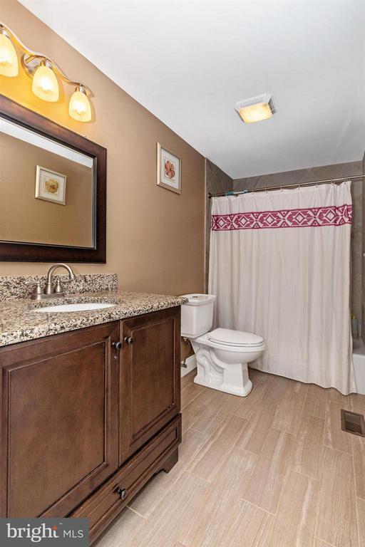 Main Level Full Bath - 17320 SOPER ST, POOLESVILLE