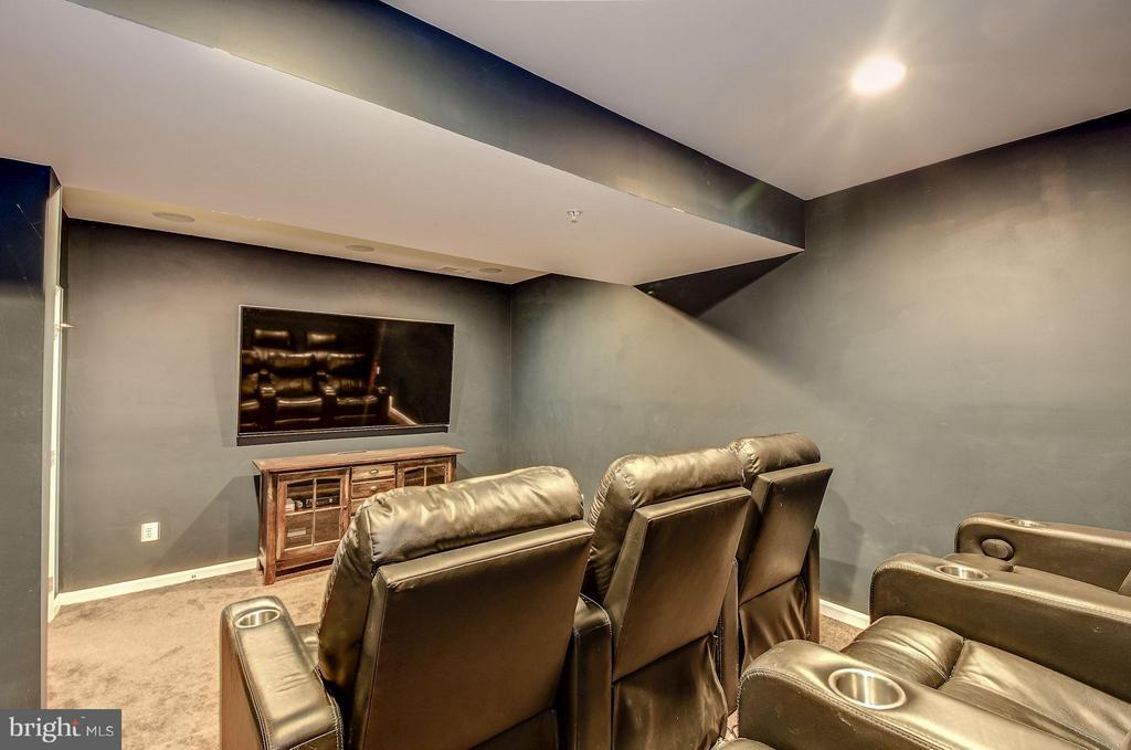 Home Theater - 6812 OSBORNE HILL DR, UPPER MARLBORO