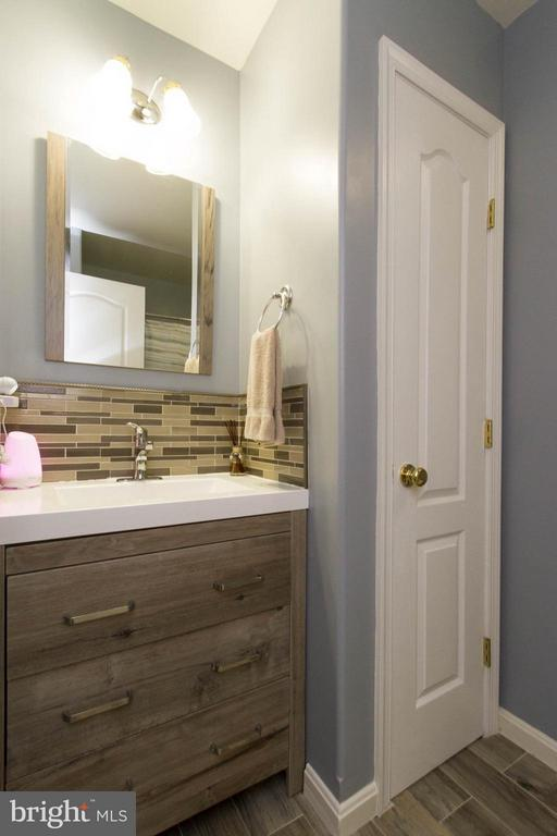 Hall Bath - 7007 HUNTERS TRACE WAY, SPOTSYLVANIA