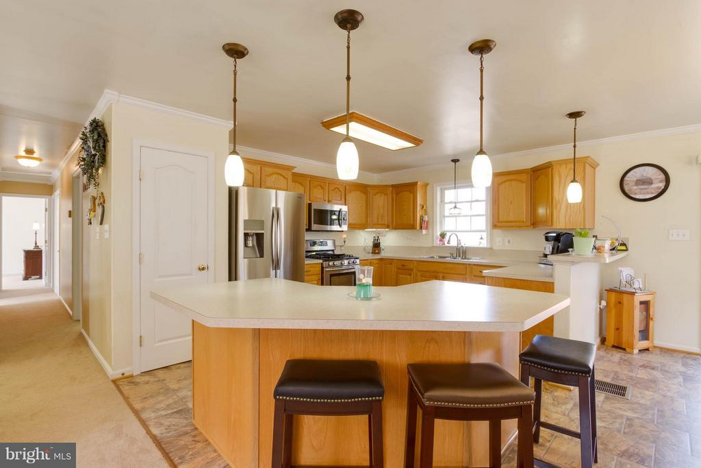 Large Island for Entertaining - 7007 HUNTERS TRACE WAY, SPOTSYLVANIA