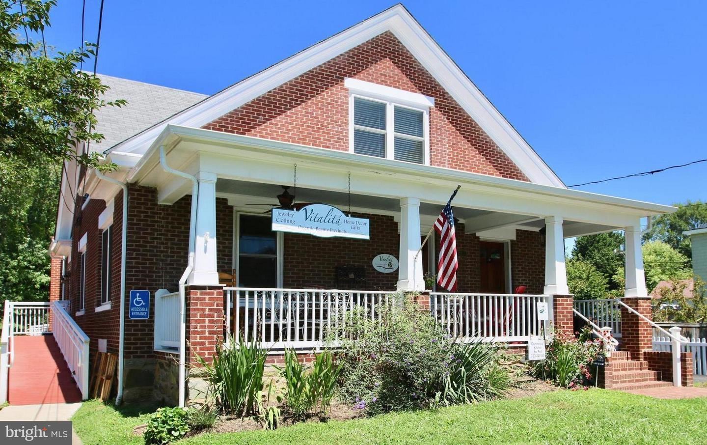 Photo of home for sale at 221 Main Street, Purcellville VA