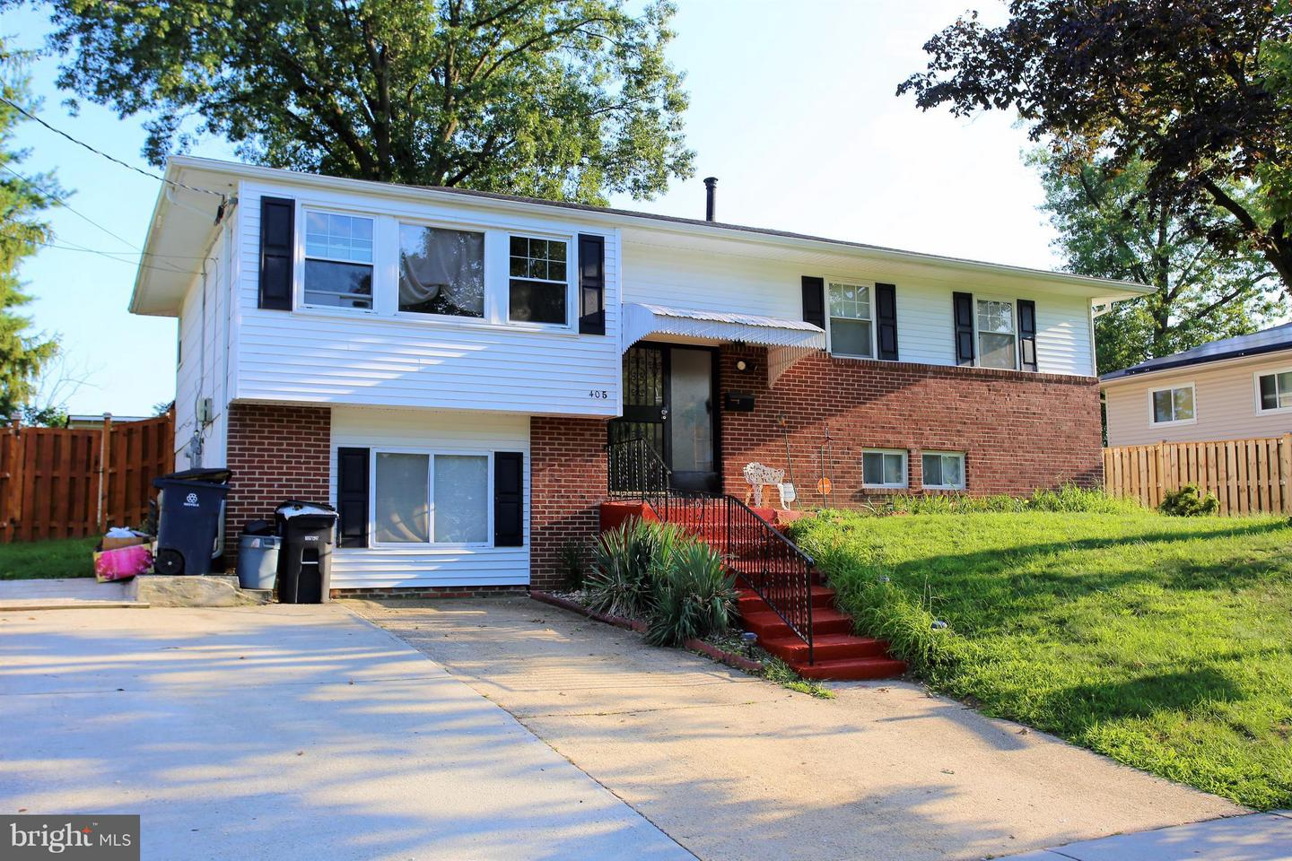 Photo of home for sale at 405 Hurtt Place, Fort Washington MD