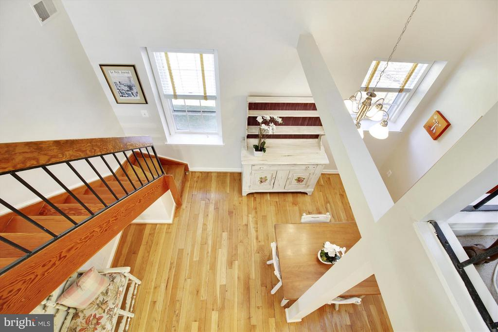 Loft overlooking dining area - 3801 39TH ST NW #F84, WASHINGTON