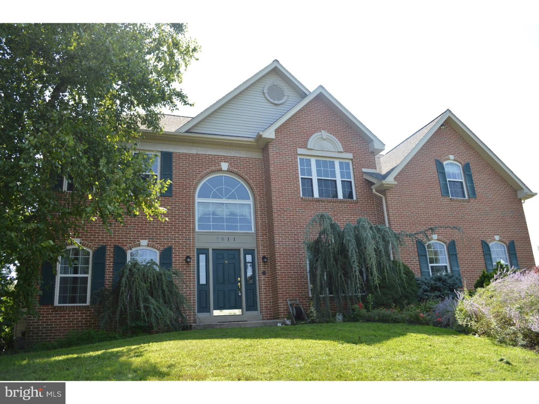Maison unifamiliale pour l Vente à 7011 WINDSWEPT Lane Norristown, Pennsylvanie 19403 États-Unis