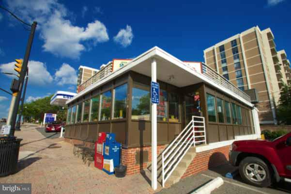 Commercial for Sale at 2310 Columbia Pike 2310 Columbia Pike Arlington, Virginia 22204 United States