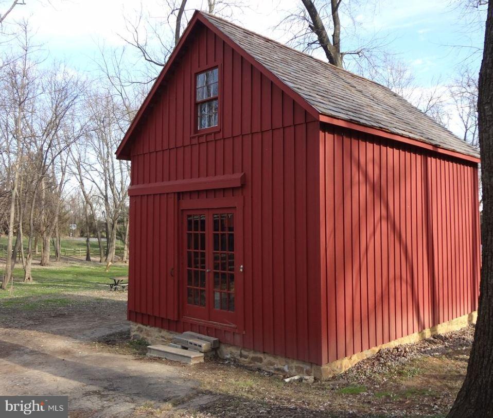 Carraige House - 16101 OAK HILL RD, SILVER SPRING