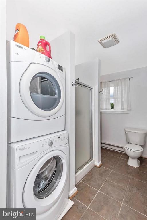 2nd Floor Washer and Dryer - 106 FOUNDERS CIR, THURMONT