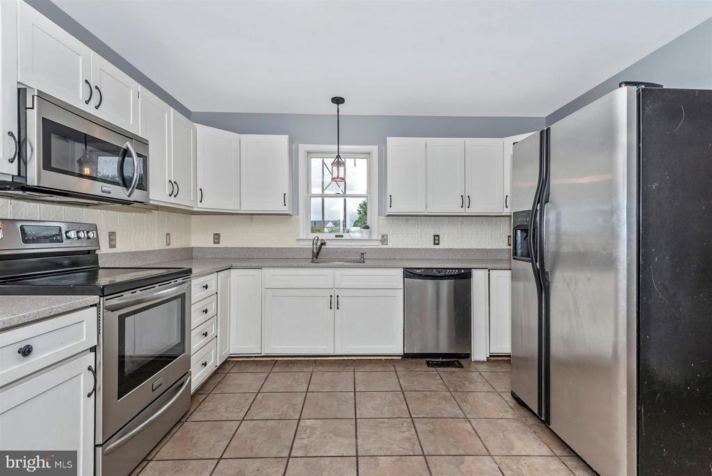 Fantastic Kitchen with SS Appliances - 106 FOUNDERS CIR, THURMONT