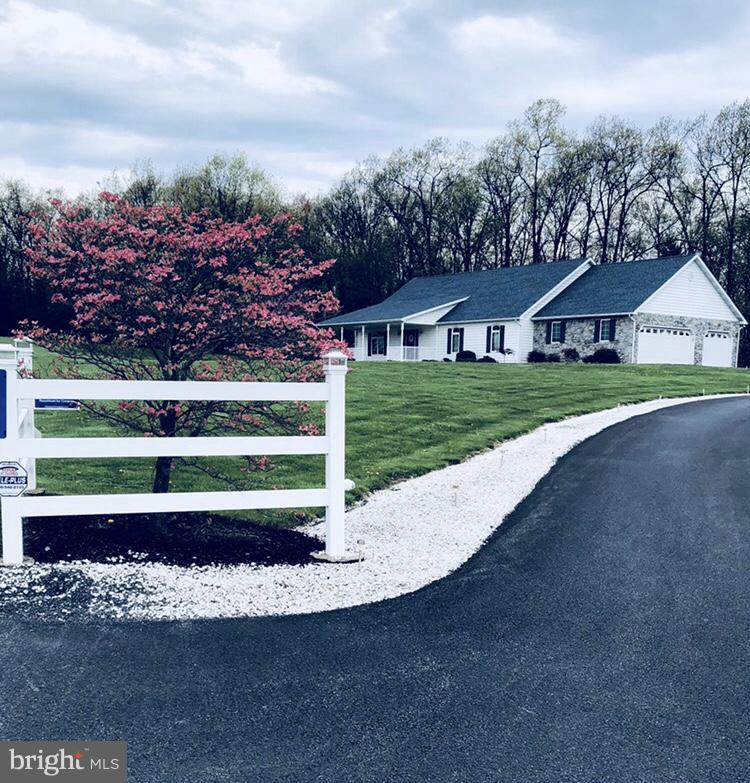 Single Family for Sale at 11145 Waterfall Rd Mc Connellsburg, Pennsylvania 17233 United States