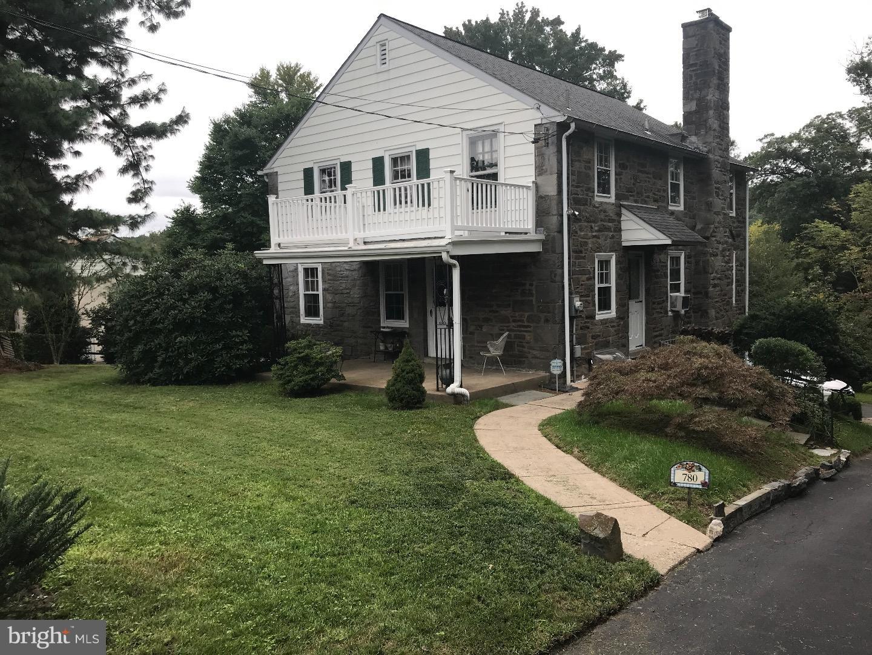 Tek Ailelik Ev için Satış at 780 GERMANTOWN PIKE Lafayette Hill, Pennsylvania 19444 Amerika Birleşik Devletleri