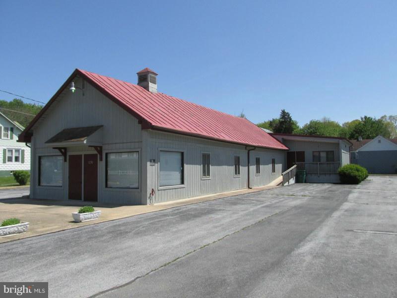 Photo of home for sale at 1230 Main Street E, Luray VA