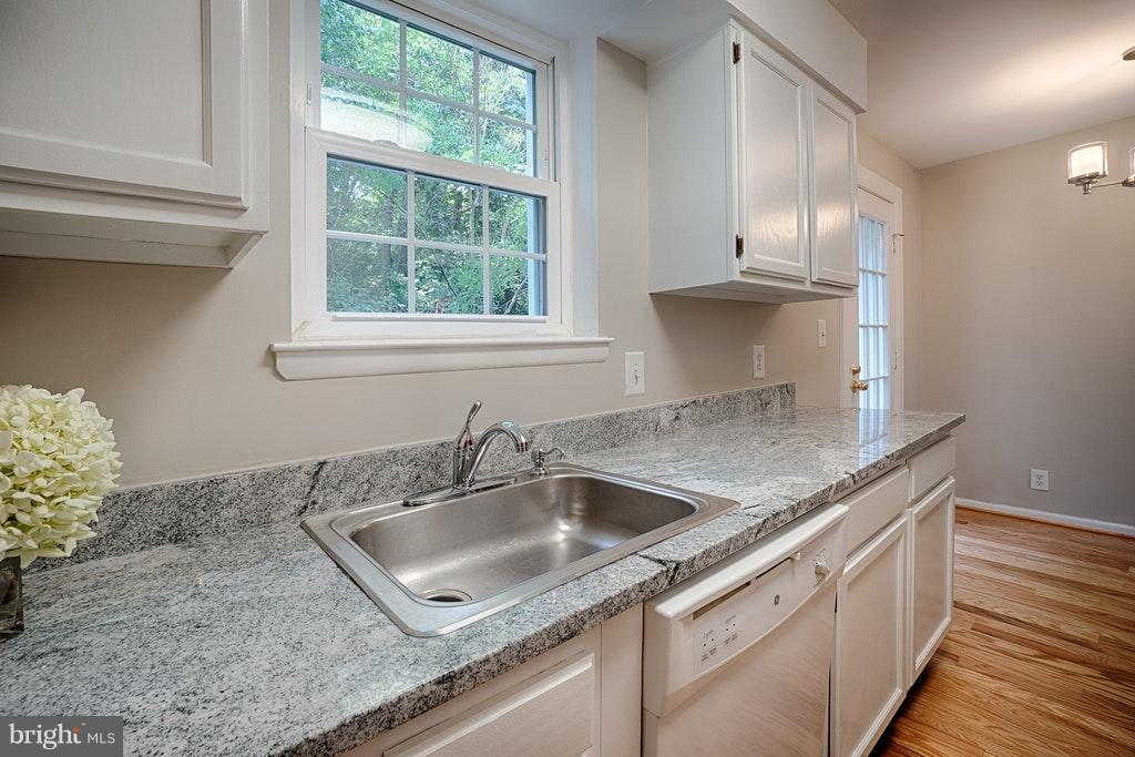 Kitchen Granite counters - 2848-C WAKEFIELD ST #C, ARLINGTON