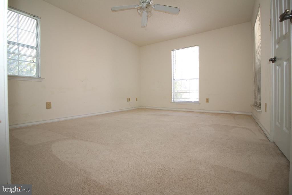 Second Bedroom - 1511 LINCOLN WAY #304, MCLEAN