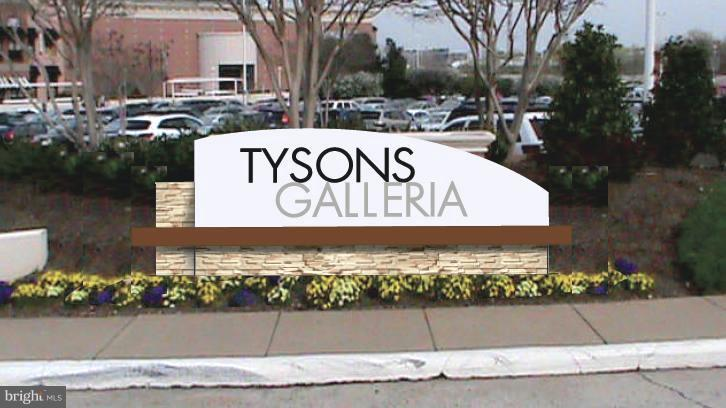 Tysons Galleria - 1511 LINCOLN WAY #304, MCLEAN