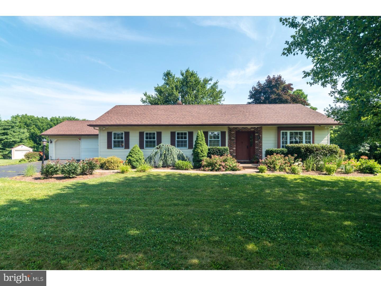 Maison unifamiliale pour l Vente à 436 DEEP RUN Road Bedminster, Pennsylvanie 18944 États-Unis