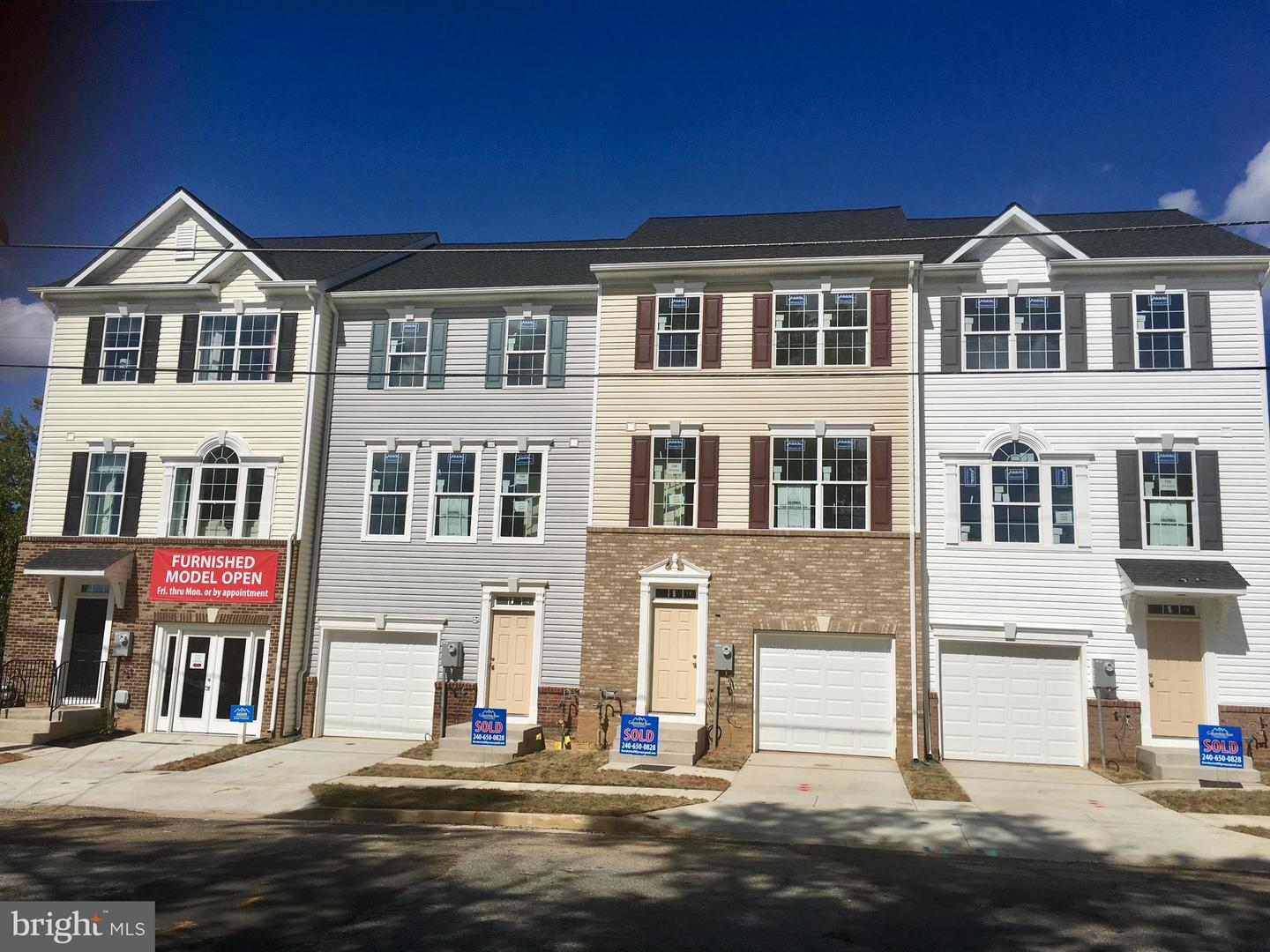 Photo of home for sale at 754 Maury Avenue, Oxon Hill MD