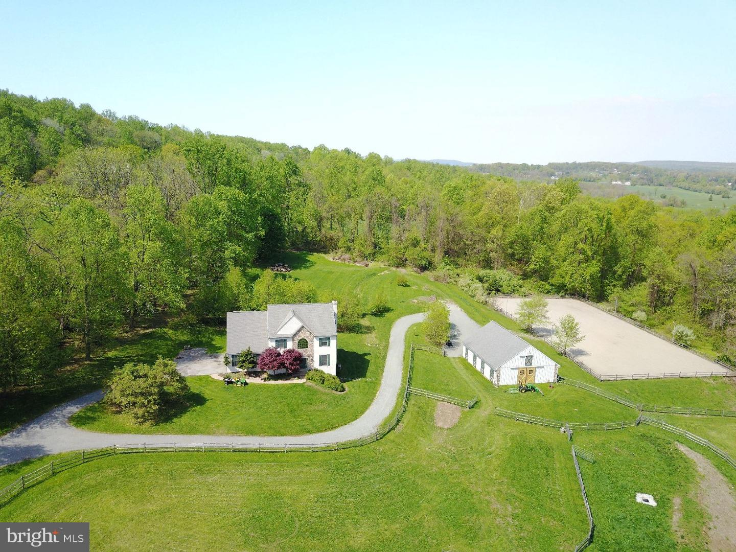 Single Family Home for Sale at 271 HILL Road Elverson, Pennsylvania 19520 United States