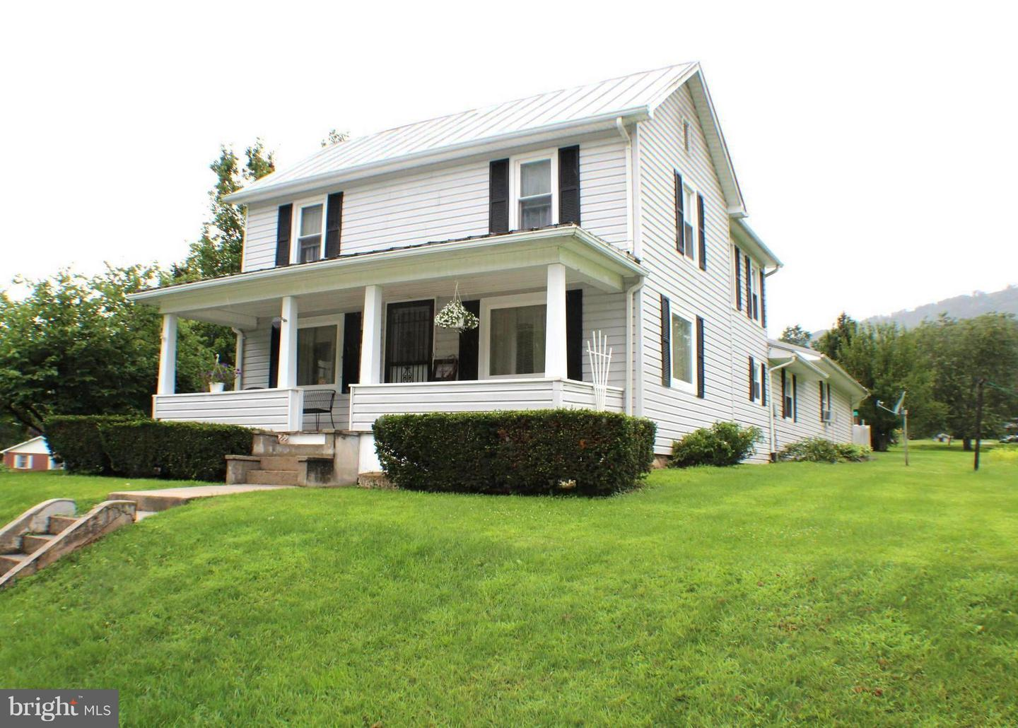Single Family for Sale at 22 Circleville Rd Circleville, West Virginia 26804 United States