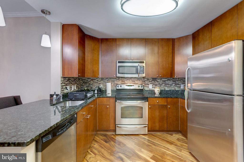 Kitchen - 155 POTOMAC #209, NATIONAL HARBOR