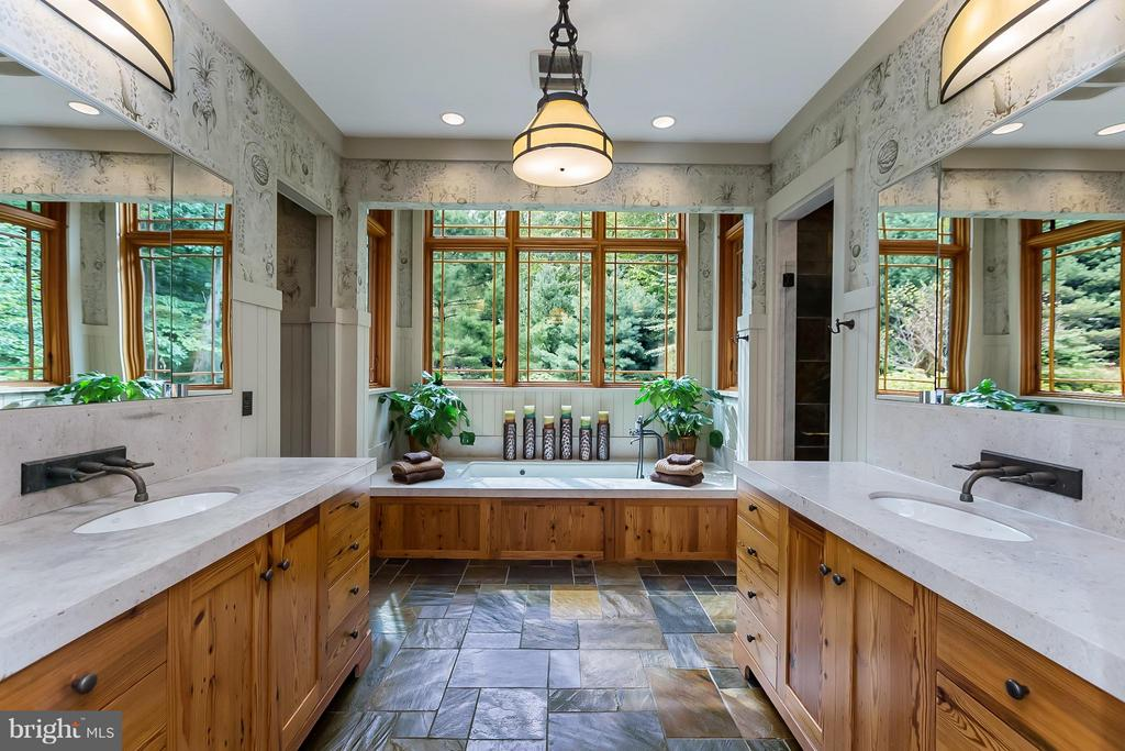 Bath (Master) with custom wood cabinetry - 8922 JEFFERY RD, GREAT FALLS