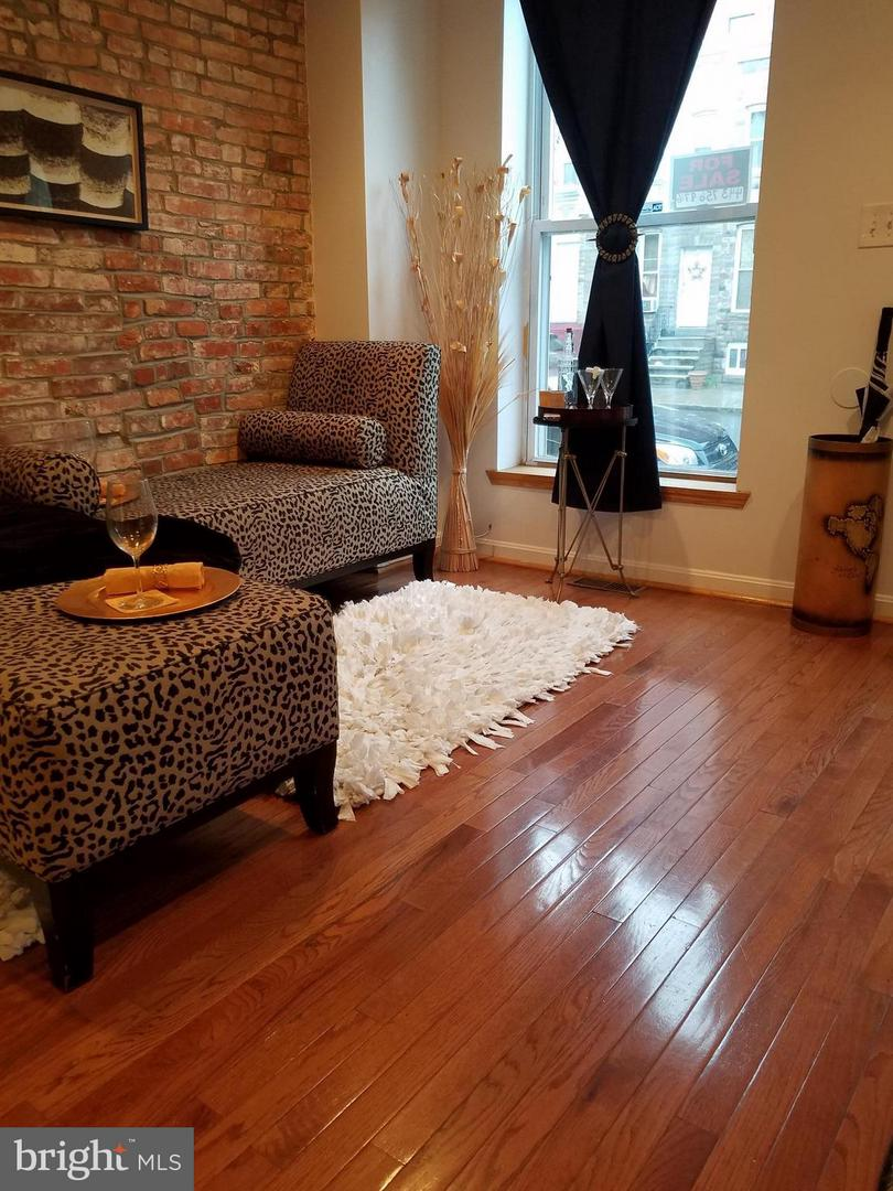 Single Family for Sale at 1138 Hamburg St Baltimore, Maryland 21230 United States